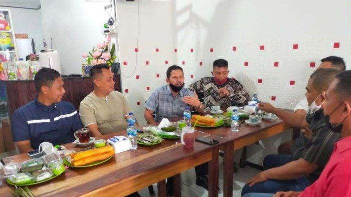 Bupati Lingga Ngopi Bareng, Muhammad Nizar Ajak Warga Cegah Kebakaran Lahan dan Hutan
