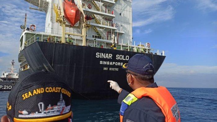 Kapal Raksasa MV Sinar Solo dan MV Taho Australia Tabrakan di Perairan Lagoi Bintan