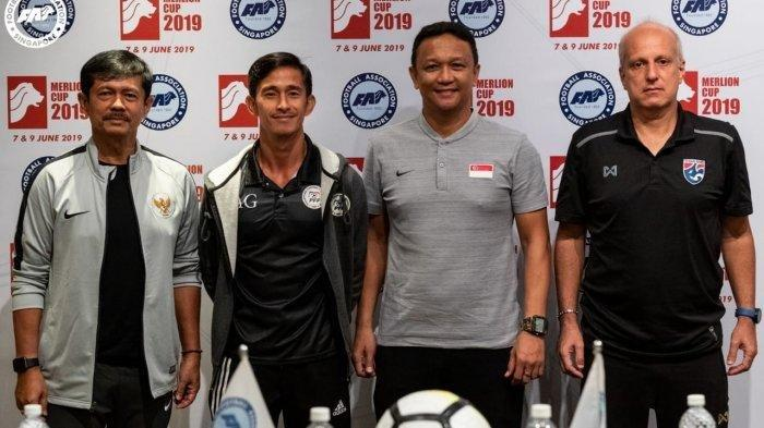 0706_pelatih-kepala-timnas-indonesia-u-23-indra-sjafri-dan-beberapa-pelatih-merlion-cup-2019.jpg