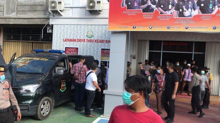 Tak Jadi ke Rutan, Kejari Bintan Titipkan Tersangka Ignatius Toka Soli di Polres Bintan