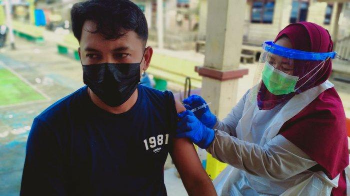 Sempat Ditolak, Vaksinasi Massal di Desa Marok Tua Lingga Akhirnya Disambut Antusias Warga