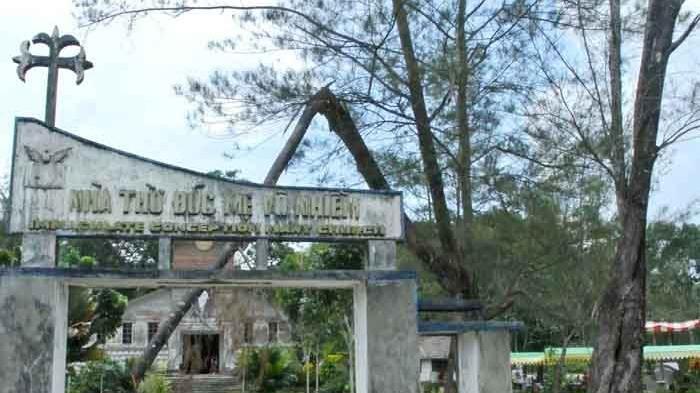 Wisata Ex Camp Vietnam di Pulau Galang, Batam, Kepri. Termasuk salah satu objek wisata sejarah yang terkenal di Provinsi Kepulauan Riau.