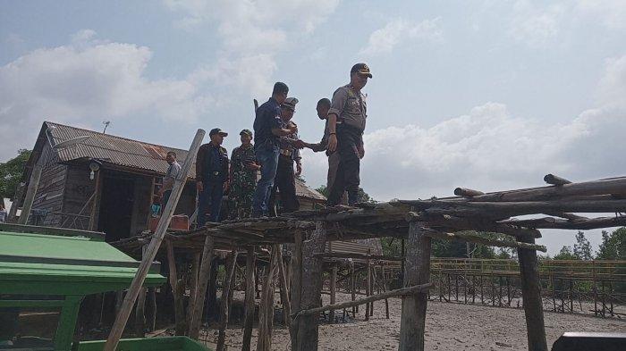 Jembatan 2 Dompak Keropos, Polisi, TNI, Lurah di Tanjungpinang  Cek Lokasi, Ini Foto-fotonya