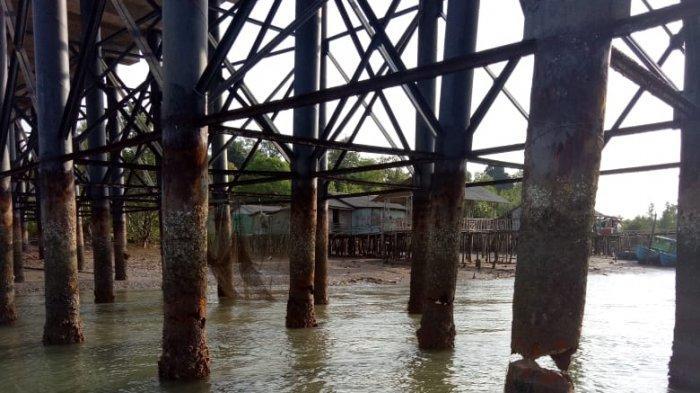 BREAKING NEWS, Hati-hati Banyak Tiang Jembatan 2 Pulau Dompak Tanjungpinang Keropos
