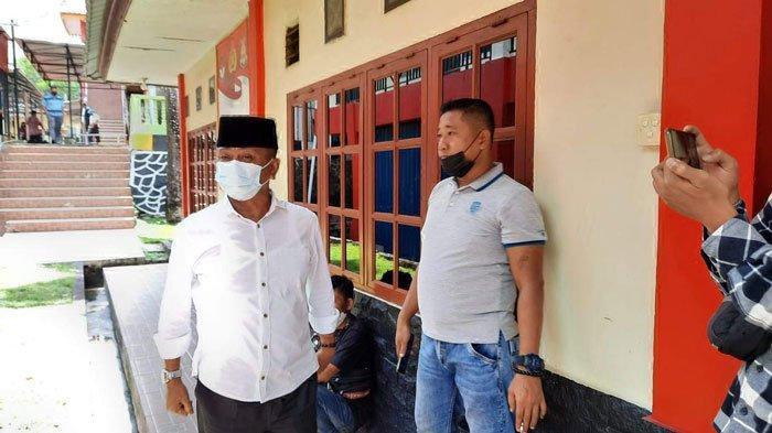 Mantan Wakil Bupati Bintan Dalmasri Penuhi Panggilan KPK, Santai saat Disapa Wartawan