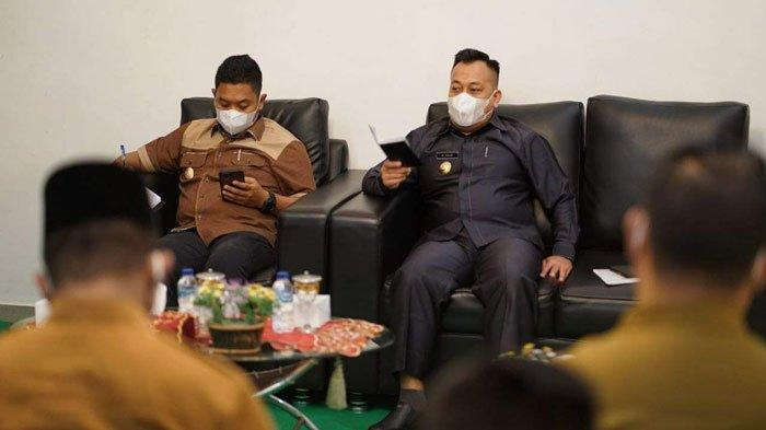 Pasca Pelantikan Pejabat, Bupati dan Wabup Lingga Gelar Rapat dengan Semua Kabag