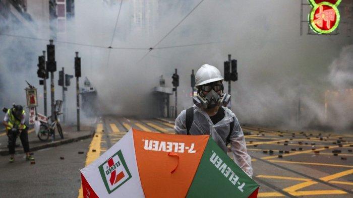 Saat Hong Kong Bertempur Lawan Demonstran, Beijing Serang Uni Eropa dan Presiden Prancis: Munafik!