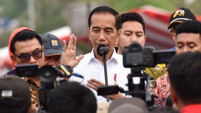 Jokowi Puji Sikap Tegas Erick Thohir yang Pecat Ari Askhara, Kasus Sepeda Brompton