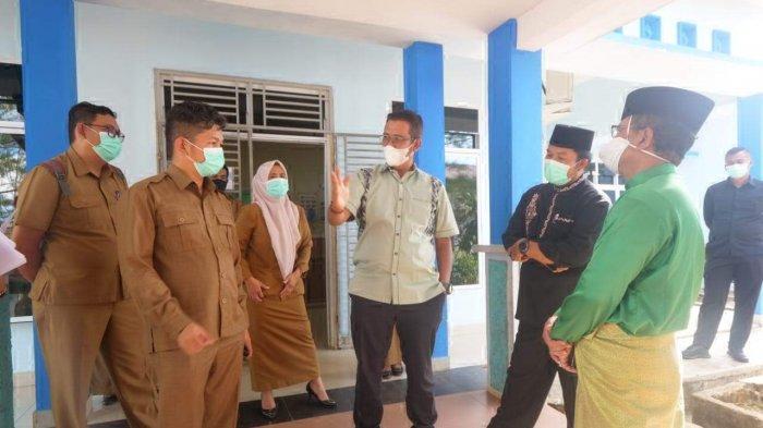 Bupati Bintan Apri Sujadi Tinjau Ruang Isolasi Pasien Covid-19 di RSUD Bintan