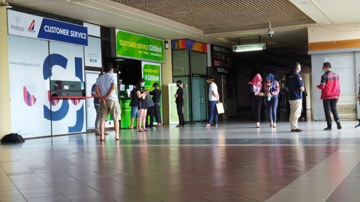 Ilustrasi, para calon penumpang mendatangi konter Costumer Service Citilink di Bandara Hang Nadim Batam