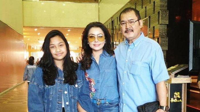 Biasa Tampil Kalem, Bambang Trihatmodjo Jadi Sorotan Saat Foto Boomerang Bareng Keluarga Mayangsari