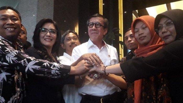 Korban Pelecehan Malah Dipidana, Baiq Nuril Akhirnya Dapat Amnesti dari Jokowi
