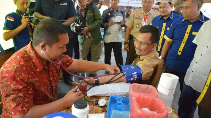 Sekdaprov Kepri TS Arif Fadillah Ikut Sumbang Darah di Aksi Donor Darah Hari Pramuka Ke-58