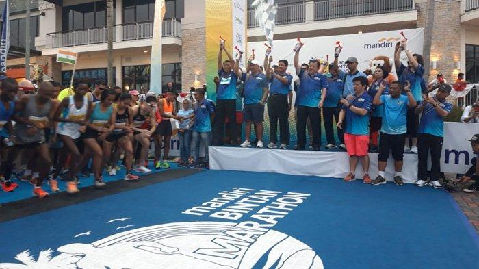 Ad Interim Governor KEPRI Released The Participants of Mandiri Bintan Marathon 2019