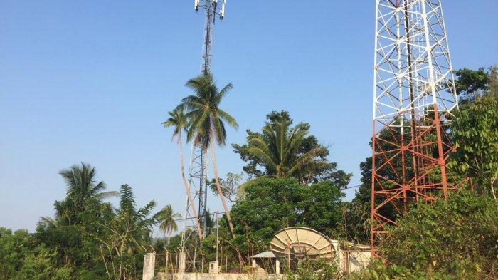 Tower berdiri tegak di daerah Anambas. Namun sayang, masyarakat di daerah ini masih kesulitan menelepon apalagi mengakses internet.