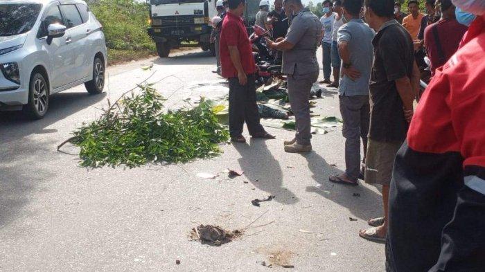 Kecelakaan Maut Istri Tewas Terlindas Truk Ditumpangi Suami, Jenazah Dibiarkan di Jalan