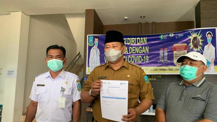 Bupati Anambas Abdul Haris setelah disuntik vaksin corona, Selasa (9/3/2021)