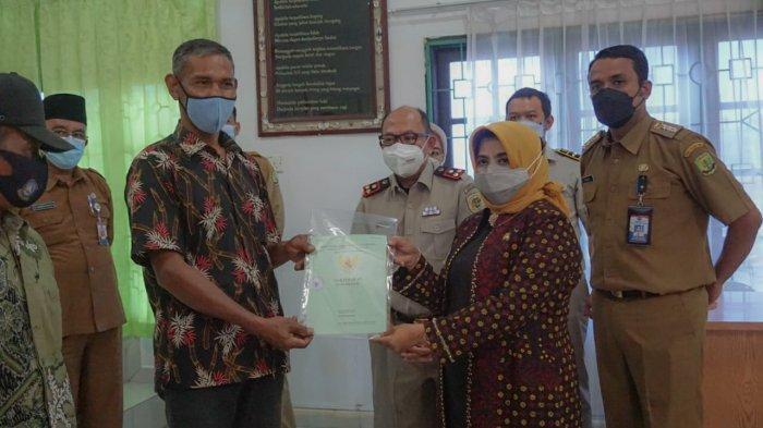 Warga 4 Kecamatan di Tanjungpinang Terima 1.137 Sertifikat Tanah Gratis Lewat Program PTSL