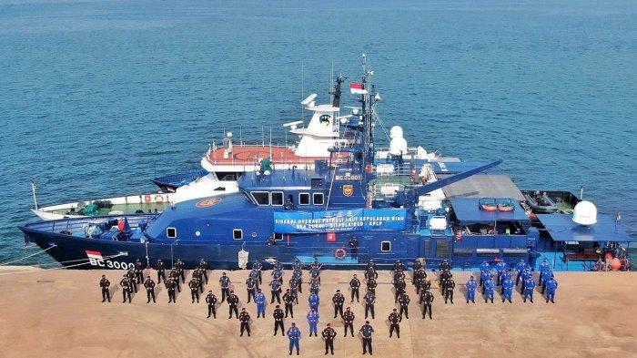 Bea Cukai, Ditpolairud dan Kesatuan Penjagaan Laut dan Pantai (KPLP) melaksanakan apel pembukaan dalam rangka Sinergi Operasi Patroli Laut bersama di wilayah Kepulauan Riau, Selasa, ( 8/6/2021) di di Dermaga PSO Bea dan Cukai Tipe B Sekupang, Batam.