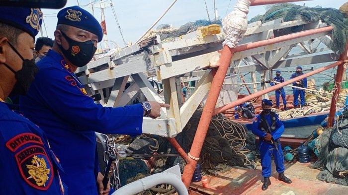 2 Kapal Berbendera Vietnam Ditangkap saat Mencuri Ikan di Natuna