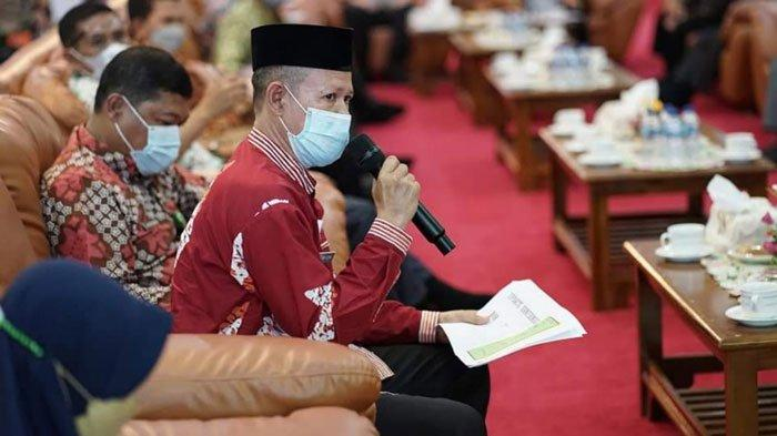 Penyampaian Kepala Dinas Kesehatan Lingga, Mulkan Azima saat rapat berlangsung, Kamis (8/7/2021)