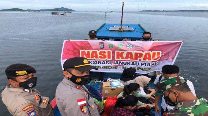 Program Nasi Kapau di Natuna, Polsek Serasan Permudah Warga Disuntik Vaksin