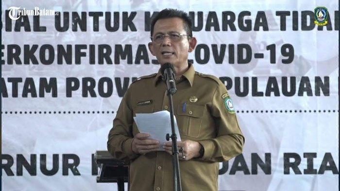 Ansar Ahmad Cari Wali Kota Batam saat Serahkan Bantuan Covid-19 di Mall Botania 2