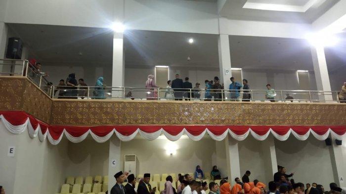 Bentangkan Spanduk Hitam Saat Pelantikan Anggota DPRD Kepri, 3 Mahasiswa Diciduk Polisi