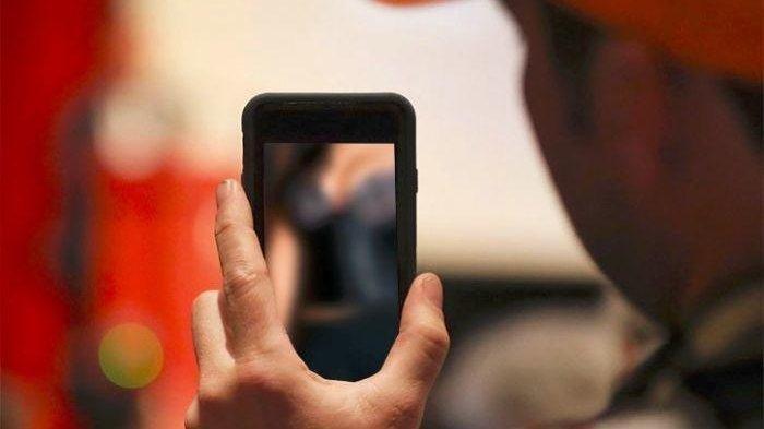 Mama Muda Rekam Video Tak Berbusana di Kamar, Disimpan di HP Terkirim Tak Sengaja ke Medsos