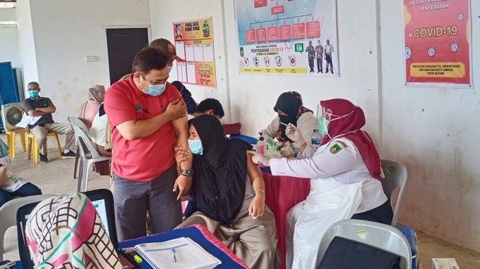 JEMPUT Bola, Petugas Vaksin di Tanjung Sengkuang Batam Siap Datangi Warga