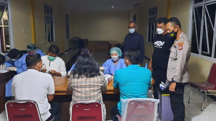 Bupati Natuna Kunker ke 5 Kecamatan, Pastikan Vaksinasi Covid-19 Berjalan Lancar