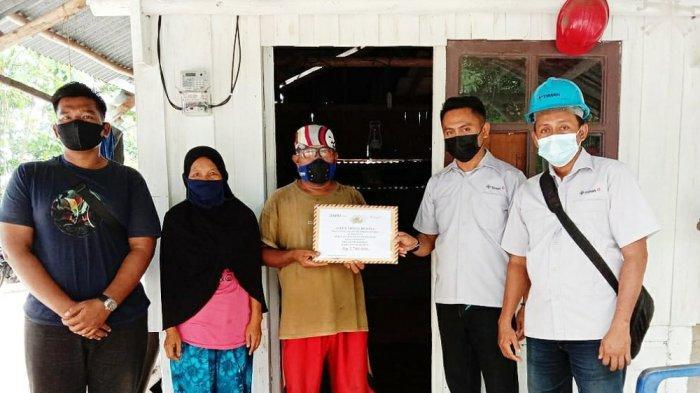 PT Timah Beri Bantuan Korban Kebakaran di Karimun hingga Pasang Instalasi Listrik