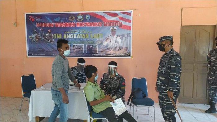 Lanal Tarempa Vaksinasi 300 Awak Kapal Ikan Pukat Mayang