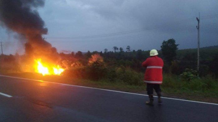 KECELAKAAN DI BINTAN - Pengemudi dan Penumpang Mobil KIA Terbakar, Ternyata Pegawai Bea Cukai