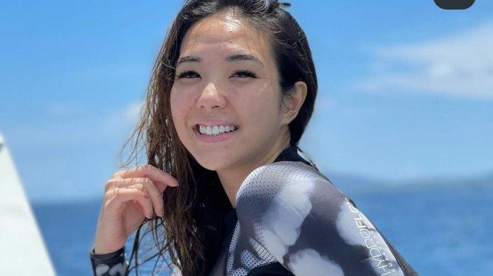 Foto Terbaru Gisel Pakai Baju Hitam Ketat di Tengah Laut Jadi Soroton, Singgung Soal Status Ibu