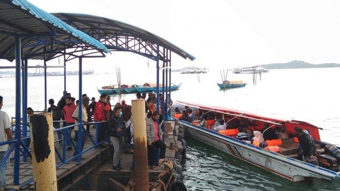 Suasana di Pelabuhan Pancung Sekupang Batam belum lama ini.