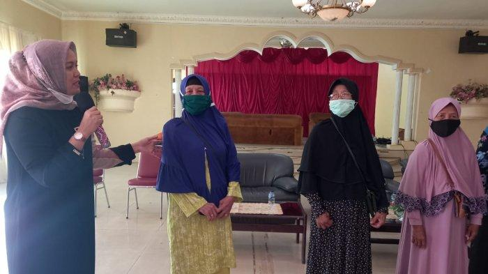 Deby Maryanti Istri Bupati Bintan Ajak Ibu-ibu Kreatif saat Pandemi, Reses Anggota Dewan