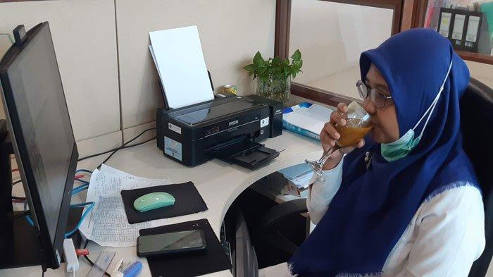 Jamu Jadi Minuman Wajib Tamu dan Pekerja di Bapelkes Batam saat Pandemi Covid-19
