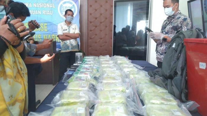 BREAKING NEWS - BNNP Tangkap 33 Kilogram Sabu dari Malaysia di Perairan Nongsa Batam