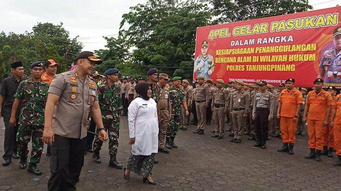 CUACA EKSTRIM - Polres Tanjungpinang Siagakan 700 Personil Gabungan dan Peralatan Selam
