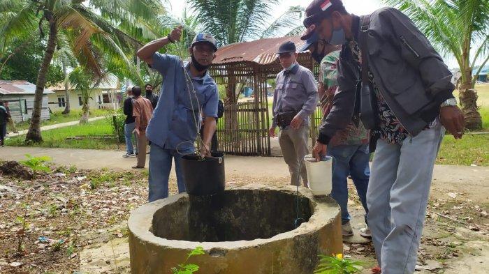 Kondisi sumur milik warga di Pulau Kubung, Ngenang. Sumur menjadi sumber air bersih yang dimiliki warga pulau.