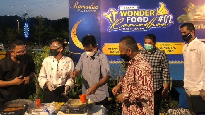 RAMADHAN 2021 - Kangen Berburu Takjil? Cobain Kuliner Bazaar Wonderfood Ramadhan Taman Dang Anom
