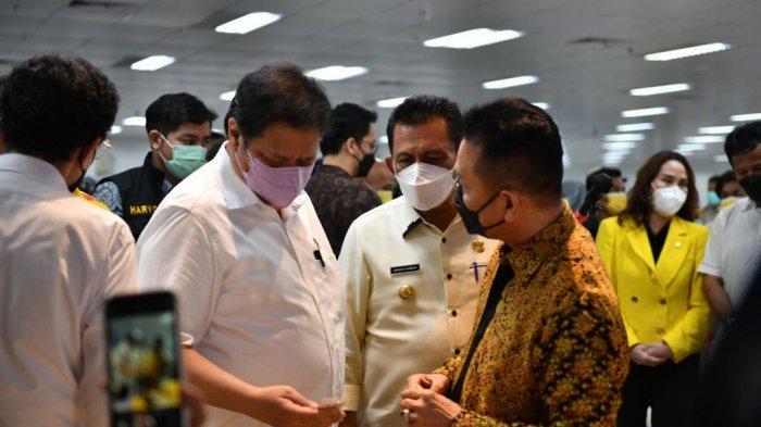 Menteri Koordinator Bidang Perekonomian Indonesia, Airlangga Hartarto kunker ke PT Sat Nusapersada, Tbk di Batam, Sabtu (12/6/2021)