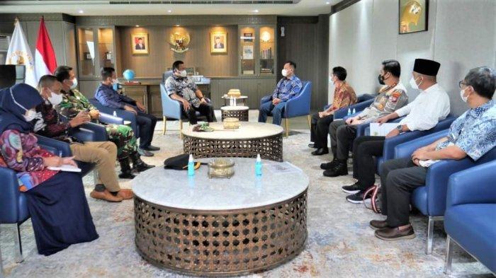 Bupati Lingga Temui Rachmat Gobel di Jakarta, Bahas Brand Sagu Lingga hingga PT Timah