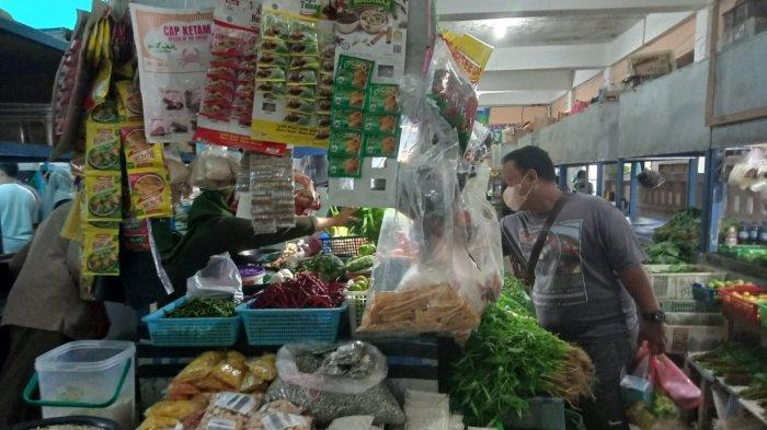 Harga Cabai dan Bawang di Pasar Inpres Tarempa Masih Stabil
