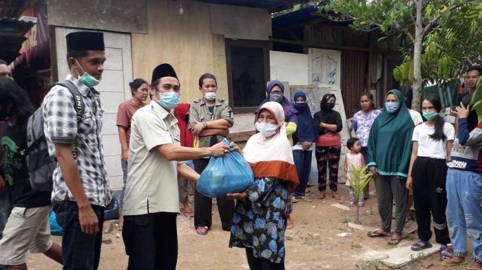 Peringatan Hari Pahlawan, AMMDI Kepri Distribusikan 700 Paket Sembako Gratis di Batam