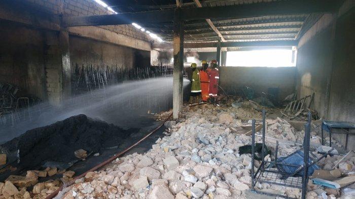 Foto-foto Kebakaran di Sekolah Sultan Agung Batam