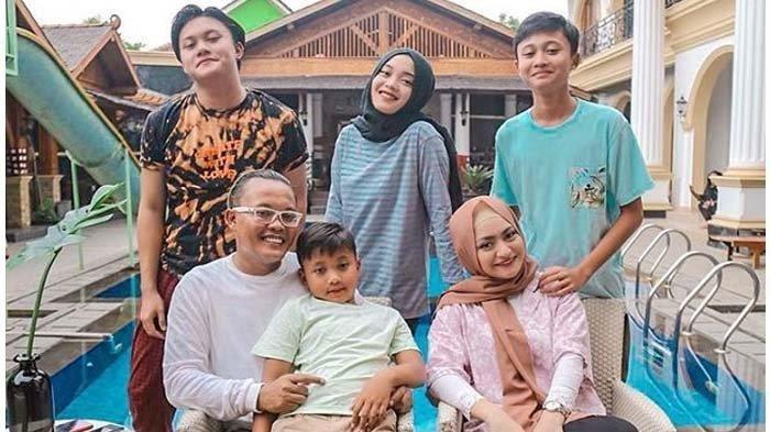 Lebaran Pertama Pasca Mualaf, Nathalie Holscher & Anak Kompak Sewot ke Sule: Gak Dikasih THR