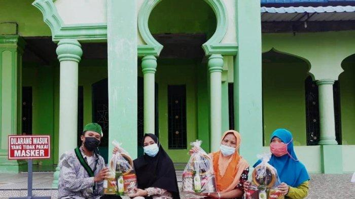 Berbagi Idulfitri 1442 Hijriah, HMI Cabang Batam Bagikan Paket Lebaran