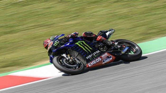 Aksi pembalap Monster Energy Yamaha, Fabio Quartararo, pada balapan MotoGP Italia di Sirkuit Mugello, Italia, 30 Mei 2021.